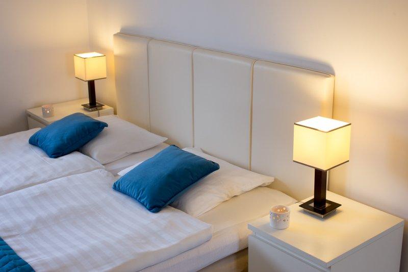 Przytulna sypialnia możliwość wstawienia łóżeczka dla dziecka