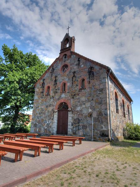Rowy, neoromański kościół z XIX w.