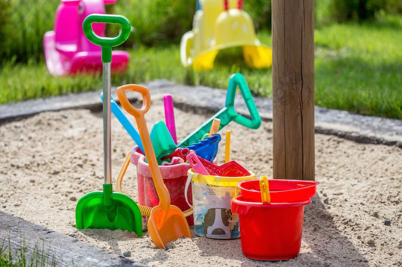 Zadaszona piaskownica dla dzieci